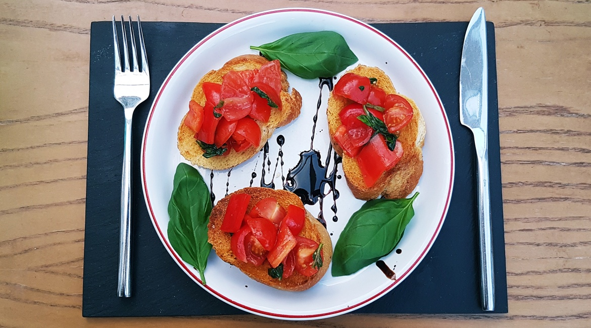 Red pepper bruschetta recipe by BeckyBecky Blogs