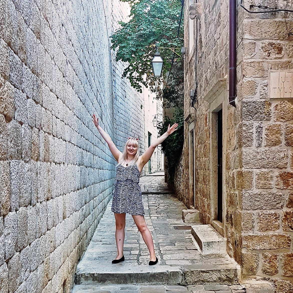 Dubrovnik alley ways - Croatia in Photographs by BeckyBecky Blogs