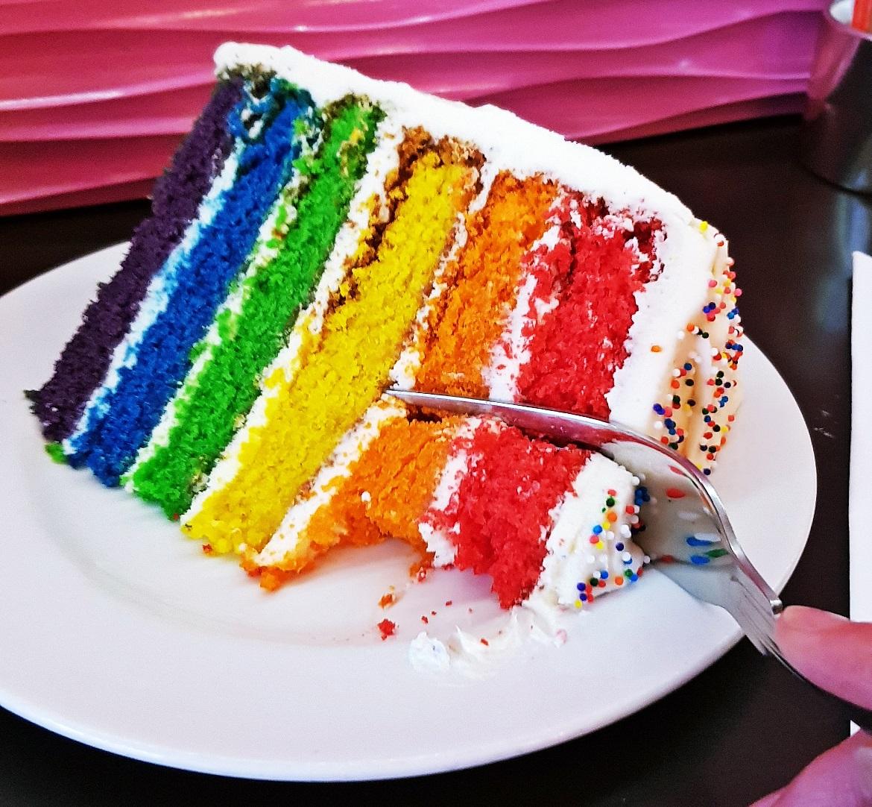 Rainbow cake at Hummingbird Bakery - October Monthly Recap by BeckyBecky Blogs