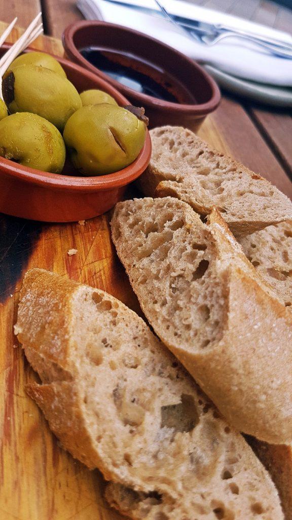Pan de la Casa - Gin & Tonic Plus at Pintura, Bar Review by BeckyBecky Blogs