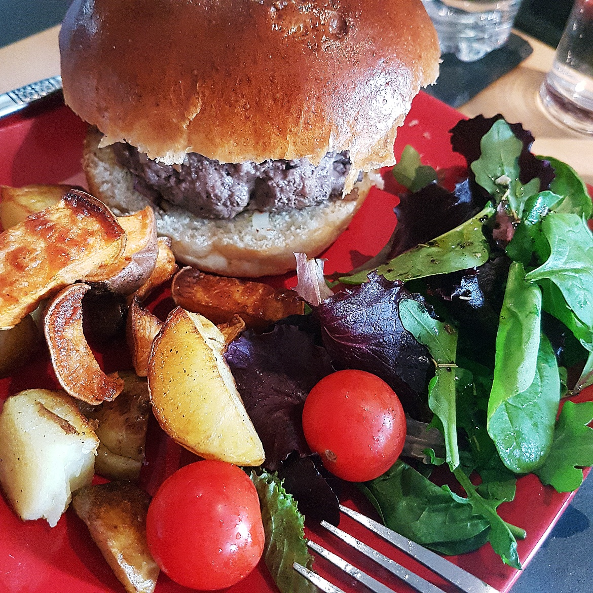 Homemade gourmet burgers by Tim - August 2017 Recap by BeckyBecky Blogs