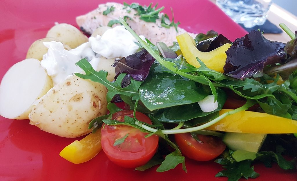 summer salmon recipe with potatoes and salad
