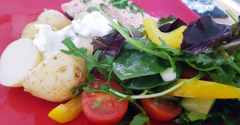 summer salmon recipe with potatoes and salad - BeckyBecky Blogs