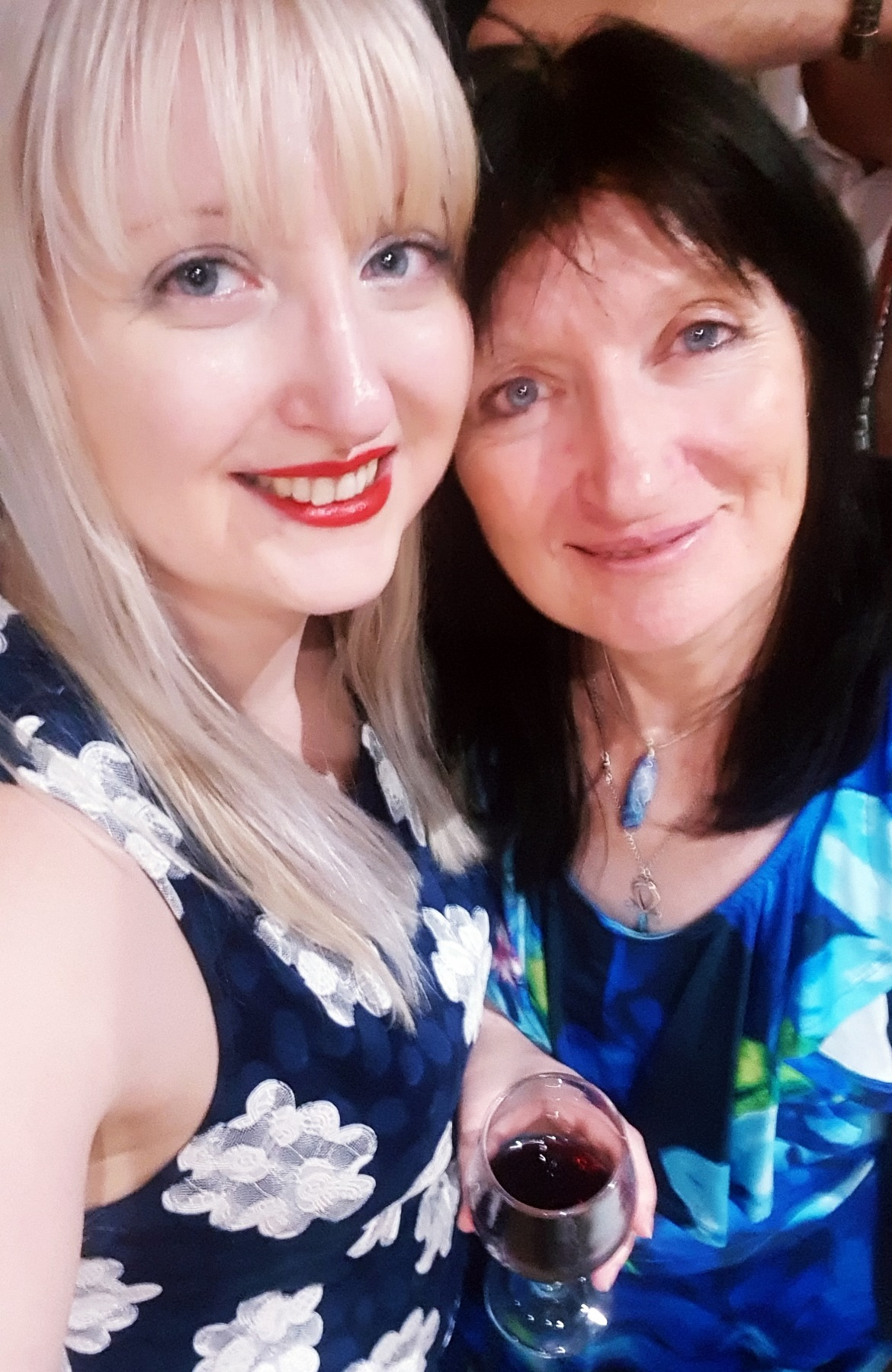 Me and my mum at Caroline and Dan's wedding - September 2018 Monthly Recap by BeckyBecky Blogs