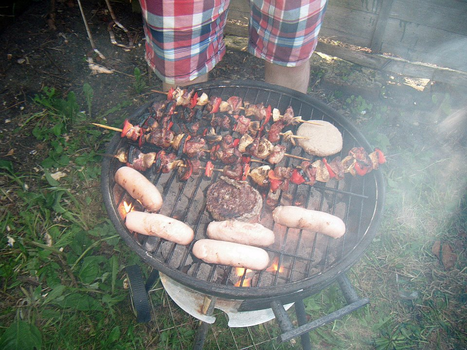 BBQs in the summer - BeckyBecky Blogs